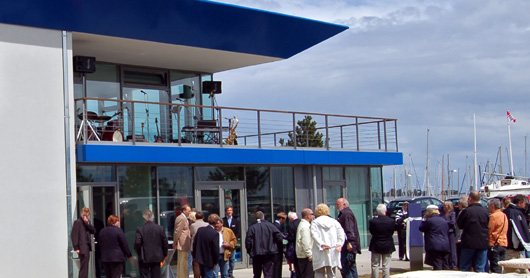 Ideal for conferences or training courses - the Regattahaus in the Olympic harbour of Kiel-Schilksee title=